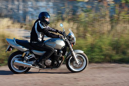 Se a sua moto estiver desalinhada, você pode levar o maior tombo. Você sabe a hora de levar a sua para a manutenção? A nossa dica está aqui aqui: (link)