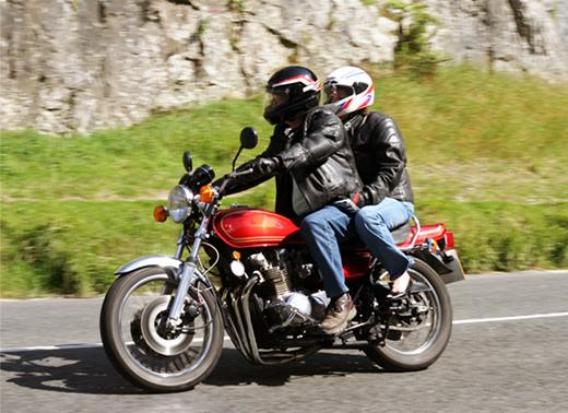 Garupa: aprenda algumas dicas práticas para nunca cair da moto.