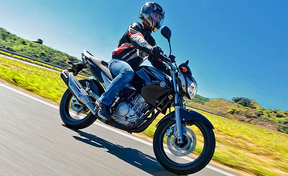 Ideais para o dia a dia das motos menores, os pneus convencionais são mais resistentes a impactos e a maiores cargas na banda de rodagem.